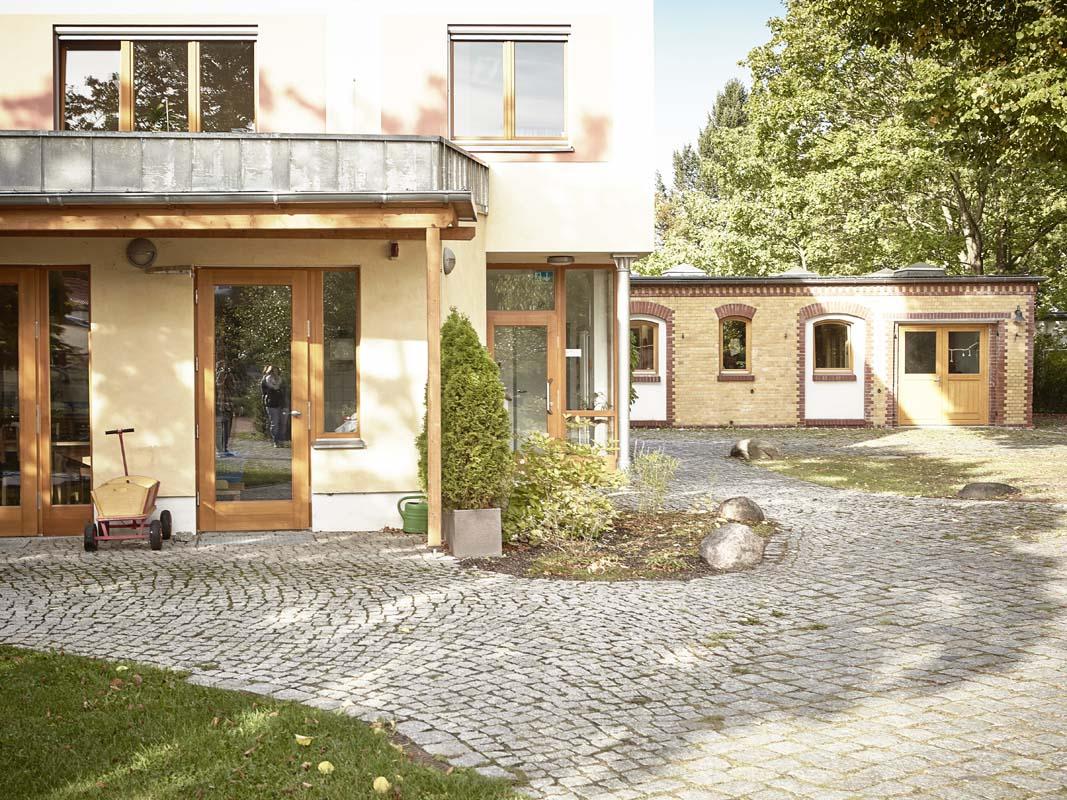 Eingang zur Verwaltung von Camphill Alt-Schönow