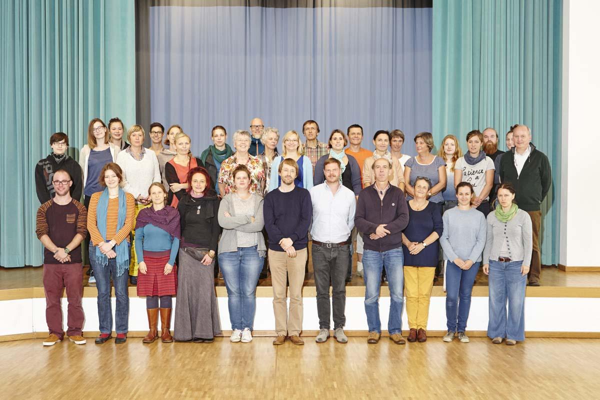 Gruppenbild der betreuenden Mitarbeiterinnen und Mitarbeiter