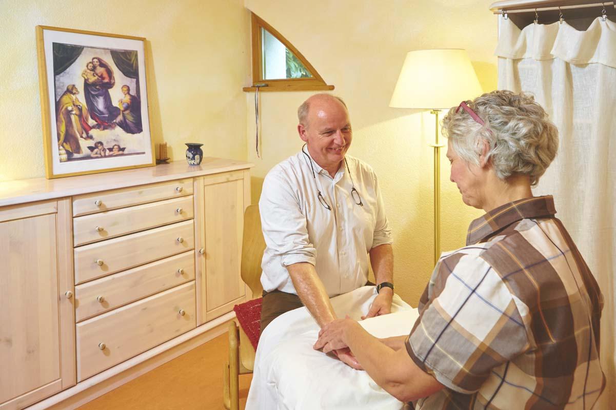 Rhythmische Massage basiert auf den Erkenntnissen der Anthroposophischen Medizin