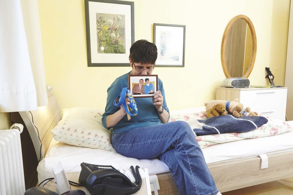 Bewohnerin in ihrem Zimmer
